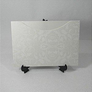 Envelope Perola com estampa floral branca 01 Mod.EN1500 - 15,5x21cm