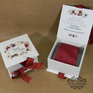 Caixa para gravata marsala  tam: 10,5x10,5x6cm