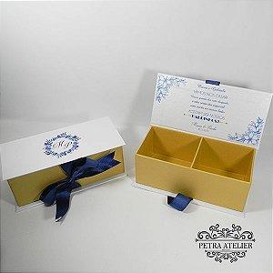 Caixa lembrança/convite azul com dourado tam: 18x8x6,5cm