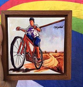 Cerâmica Emoldurada: Menino na Bicicleta