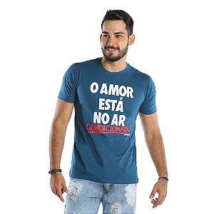 Camiseta Masculina Estampada O Amor Está No Ar