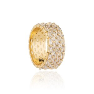 Anel semijoia cravejado com cristais de zircônia, banhado em ouro 18k