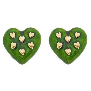 Brinco coração esmaltado verde folheado em ouro 18k