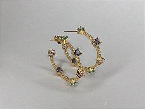 Argola de zircônia colorida folheada em ouro 18k