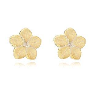 Brinco flor esmaltado folheado em ouro 18k