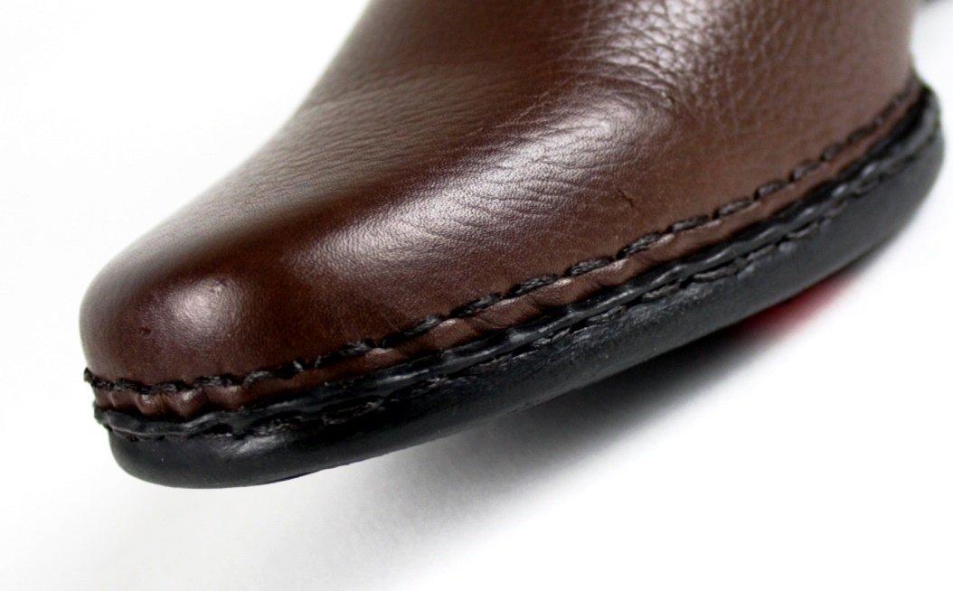 d109f3724 Possui palmilha PU Gel que não deforma forrada em couro, ajudando a  diminuir os impactos nas articulações dos pés e joelhos.