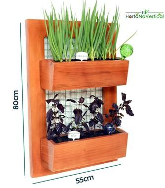 horta-vertical-de-madeira-com-tela-2-vasos