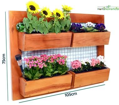 jardim-vertical-de-madeira-com-tela-4-vasos