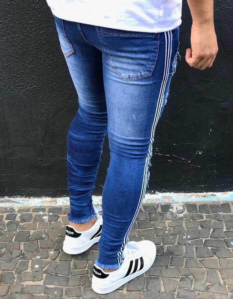 242ba3f6f ... Calça Jeans Skinny Destroyed 3D & Faixa Lateral - Kawipii - Imagem 4
