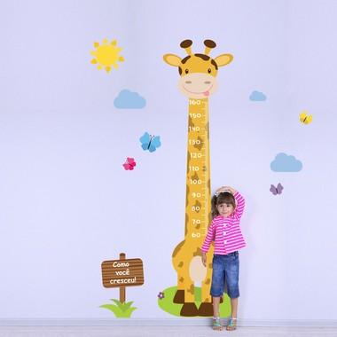 adesivo-de-parede-infantil-regua-girafa-e-borboletas