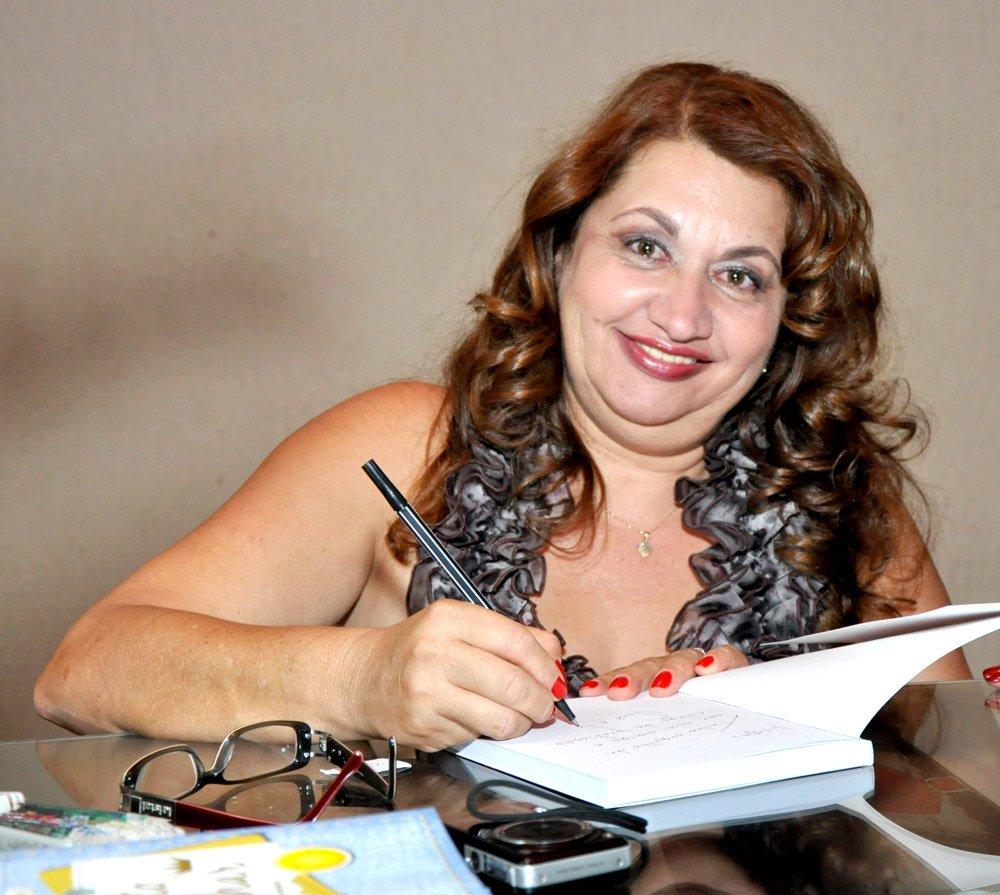 Escritora Marllene MEndes