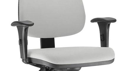 Detalhe dos Braços da Cadeira Frisokar Job Diretor