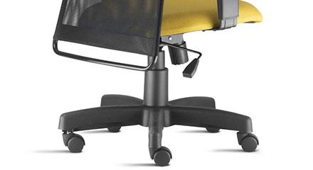 Detalhe da Base e Mecanismo da Cadeira Executiva Liss