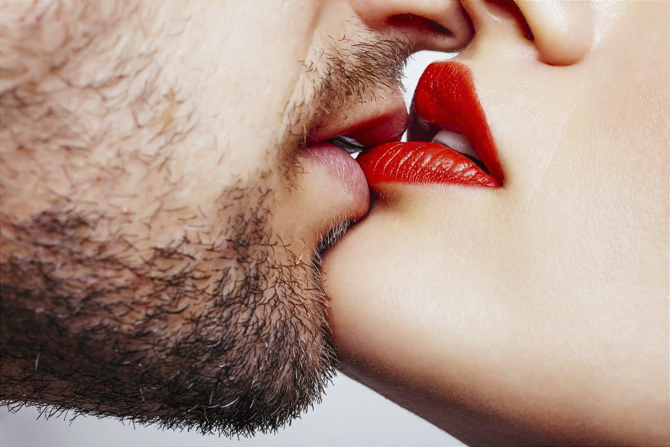 beijando mulher