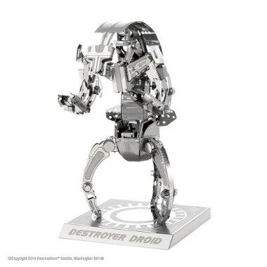 Um Destroyer Droid, montado por você ! A linha Metal Earth da Fascinations realmente impressiona pelos incríveis detalhes nas peças e pela possibilidade de se montar uma miniatura perfeita sem precisar de nenhuma cola ou adesivo, é demais ! A Réplica