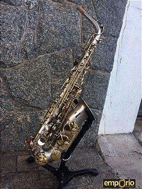 Saxofone Alto Dolphin - Jateado prata e chaves Laqueadas - Usado - #AS1109421