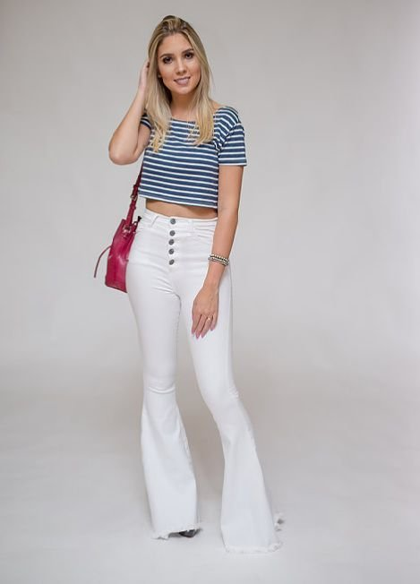 bf77d66b5 Calça Jeans Flare Branca - Bella Donna Boutique RC