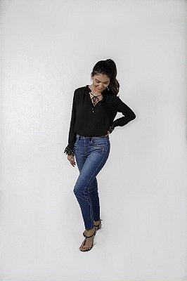 Calça jeans Skinny  Botões na Barra
