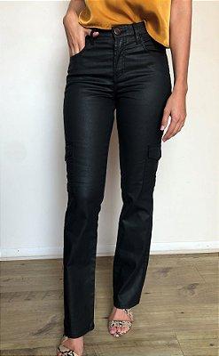 Calça Jeans Reta Resinada Cargo Preta - Santé Denim