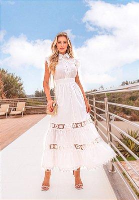 Vestido de noiva simples gola alta, com botões na frente