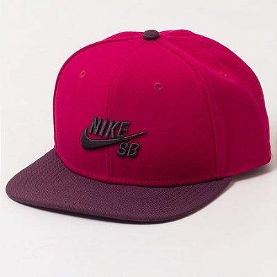 Boné Nike SB Snapback Vermelho/Vinho