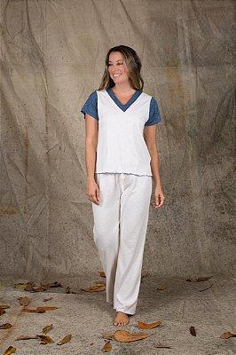 Pijama bicolor manga curta.