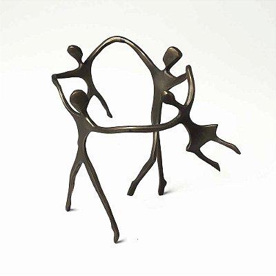 Escultura Ciranda Casal +1 menina +1 Menino