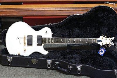 Guitarrra Lespaul Dean Deceiver ( EMG 81-85) + Case