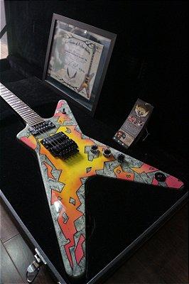 Guitarra Dean Concrete Sledge 128/333 w/case (certificada)