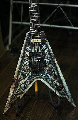 Guitarra Dean Razorback V255 Blades w/case