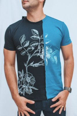 Camiseta Recorte Blue Flower