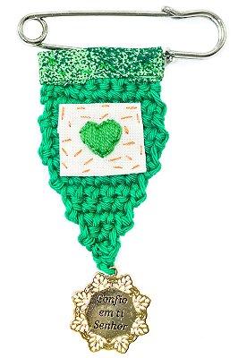 Berloque Crochê Verde e Bordado Coração Verde Pequeno