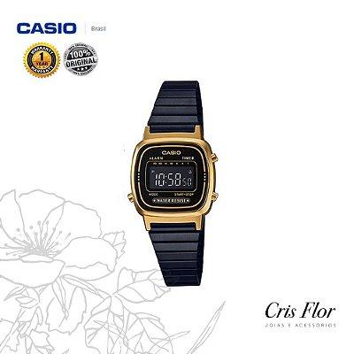 Relógio Casio Mini Preto com Visor e Detalhes da Caixa em Dourado LA670WEGB-1B