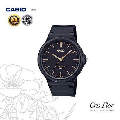 Relógio Casio Pulseira Borracha Preto com Detalhes Dourado MW-240-1E2V