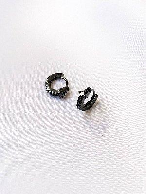Brinco de argolinha Diamond com cravação de ônix
