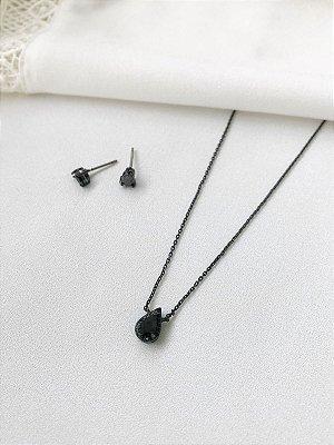 Conjunto Gota Ônix com colar cravejado em banho negro