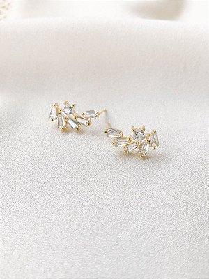 Brinco Ear cuff Star com navetes folheado a ouro 18K