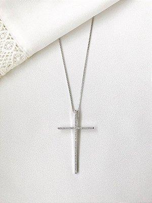 Colar Cruz Palito prata com microcravação de zircônias em banho de ródio