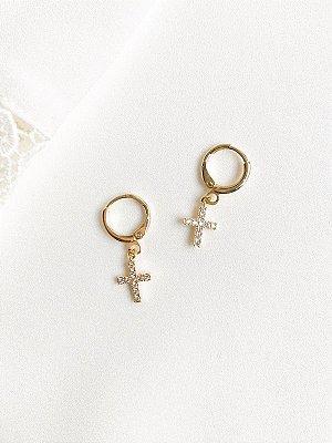Brinco Argola Fé de crucifixo banhado a ouro com cruz cravejada