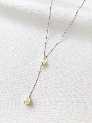 Colar Gravatinha em pérola shell banhado a ródio branco