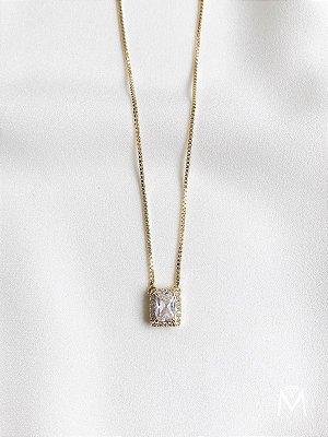 Colar Emmy em cristal retangular banhado a ouro 18k