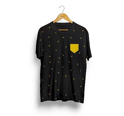 Full Print (preta) bolso amarelo - Masculina