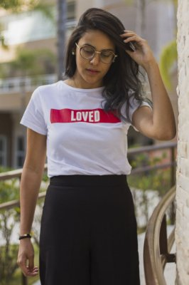 T-shirt feminina LOVED