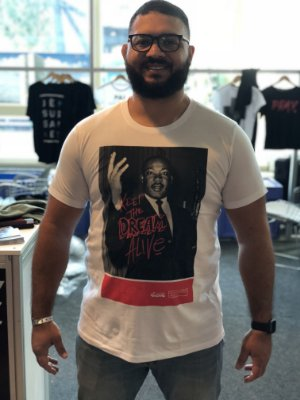 Camiseta Luther King branca corrosão