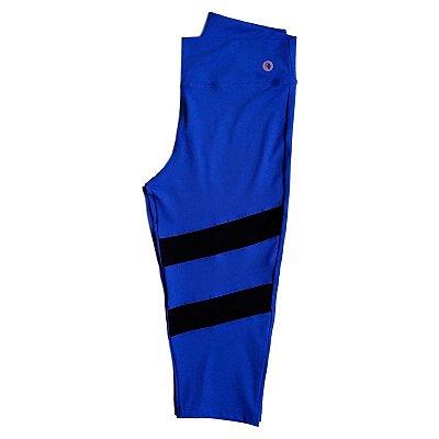 Calça corsário azul c/ recorte em tule plus size