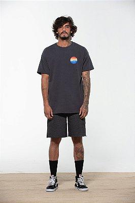 camiseta over spiaggia