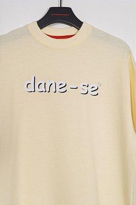 camiseta over dane-se comic amarelo