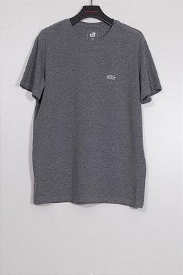 camiseta stamp grafite