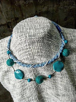 Colar Azul  com Corais