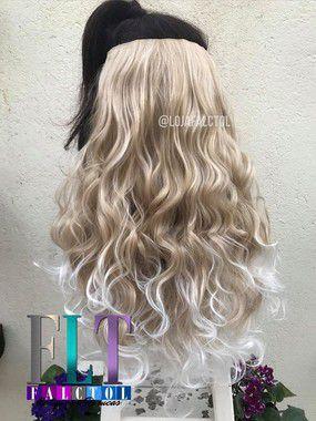 Aplique de tic tac cabelo sintético-  Loiro claro com luzes e pontas platinadas  - Encaracolado - PEQUENOS DEFEITOS